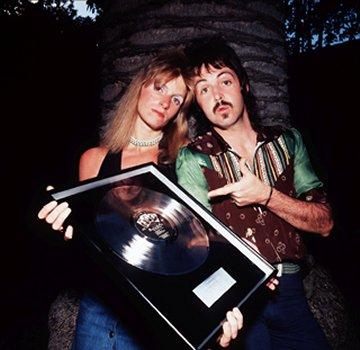 Paul_and_Linda_McCartney_1973.jpg