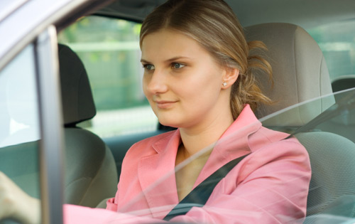 woman.driving.car.500.jpg