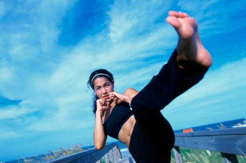 women-kickboxing.jpg