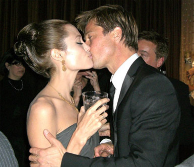 brad-pitt-and-angelina-jolie-getting-married-300308.jpg