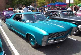 Buick-Riviera-blue-custom-le.jpg