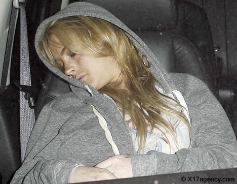 lindsay-lohan-passed-out-2.jpg