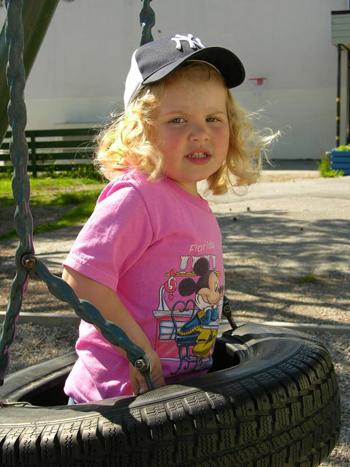 little.girl.Yankeefan1.jpg