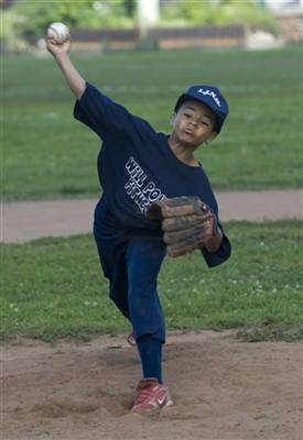 kid.throwing.jpg