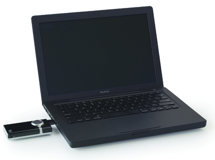 Mino_black_laptop.jpg