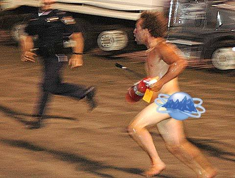 naked-man-tasered-streaker1-thumb.jpg