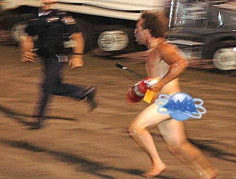 naked-man-tasered-streaker1-thumb.jpg