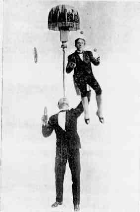 two.jugglers.jpg