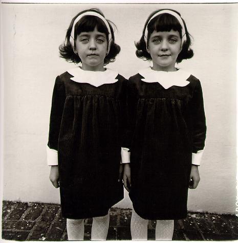 identical-twins-roselle-n-j-1967.jpg