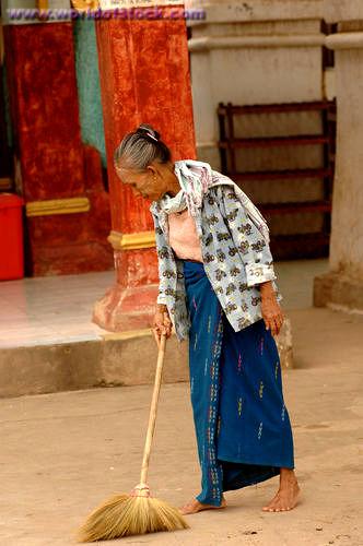 woman.sweeping.jpg