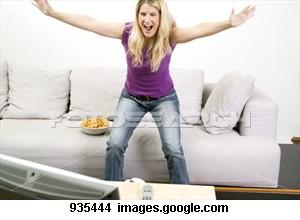 young-woman-cheering_~935444.jpg