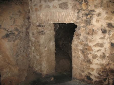 Bomb_Shelter_Interior.JPG