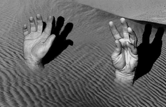 hands.quicksand.jpg