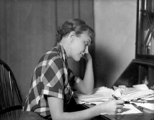 woman-writer.jpg