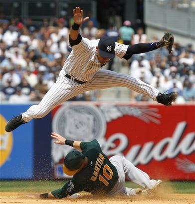 Jeter.leaps.jpg