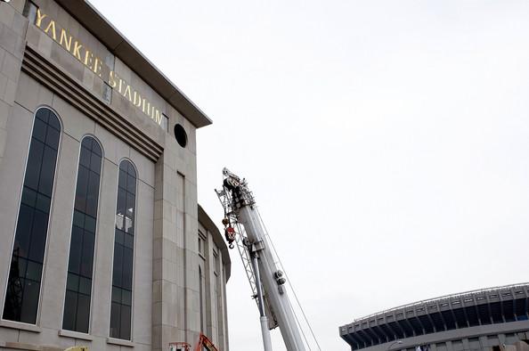 Yankee+Stadium+Construction+Progression+U8DtYb9xTzfl.jpg