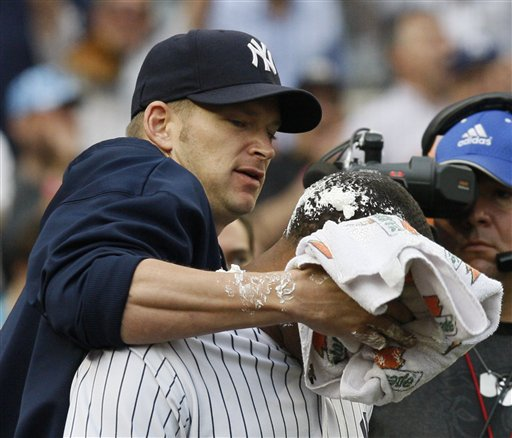 robinson-cano-pie-in-face-81209.jpg