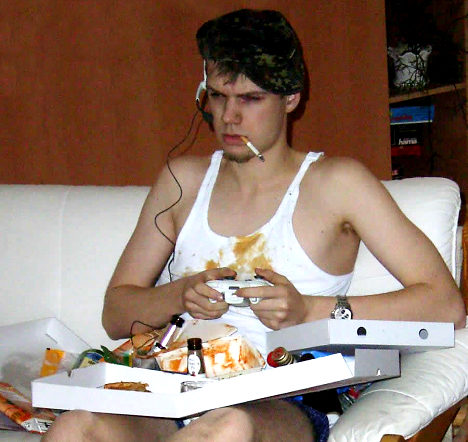 hardcore-gamer-smoking-pizza-slob.jpg
