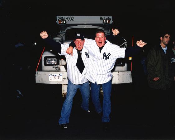Yankee-fans.jpg