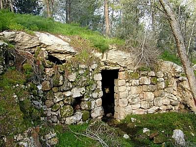 cave_of_adullam_tb_n021900.jpg