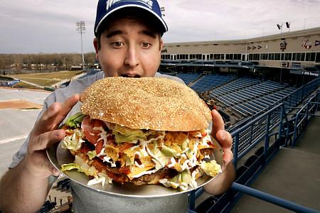giant.burger.jpg