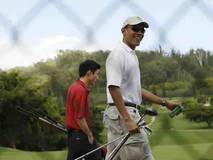 obama-golfing-olomana.jpg