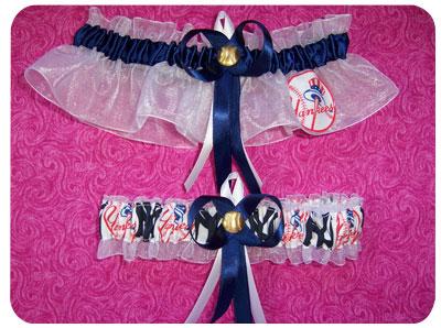 garters.yankees_lg.jpg