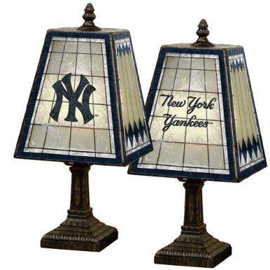yanks.lamps.jpg