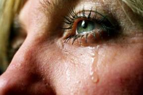 tears_lead_wideweb__470x312,0-1.jpg