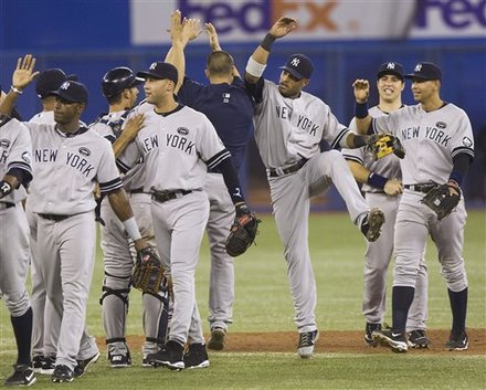 yanks.clinch.jpg