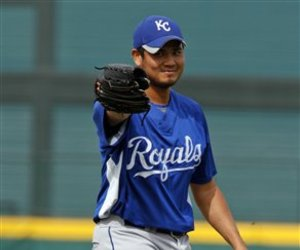 Chen.Royals_Rangers_Baseball_large.jpg