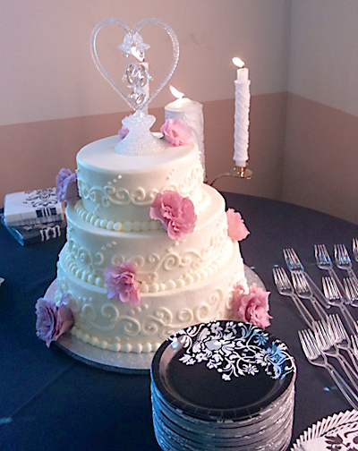 Erica.WEDDING CAKE copy.jpg