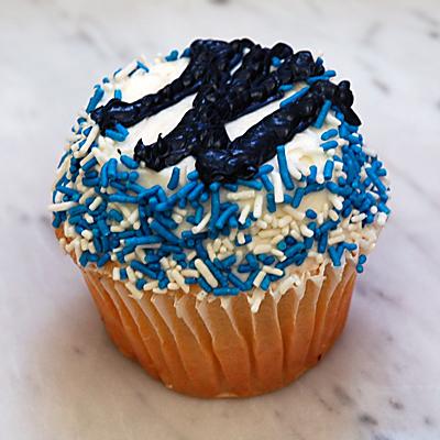 Yankees.cupcake 1.jpg