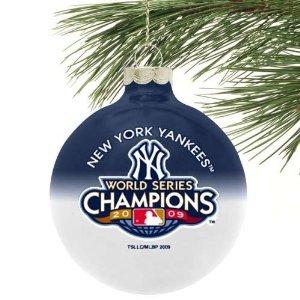 Yankees.xmas.ornament.jpg