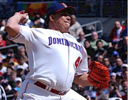 bartolo_colon_with_dominican_team.jpg